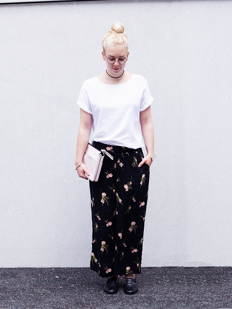 Creating some serious spring vibes with floral culottes