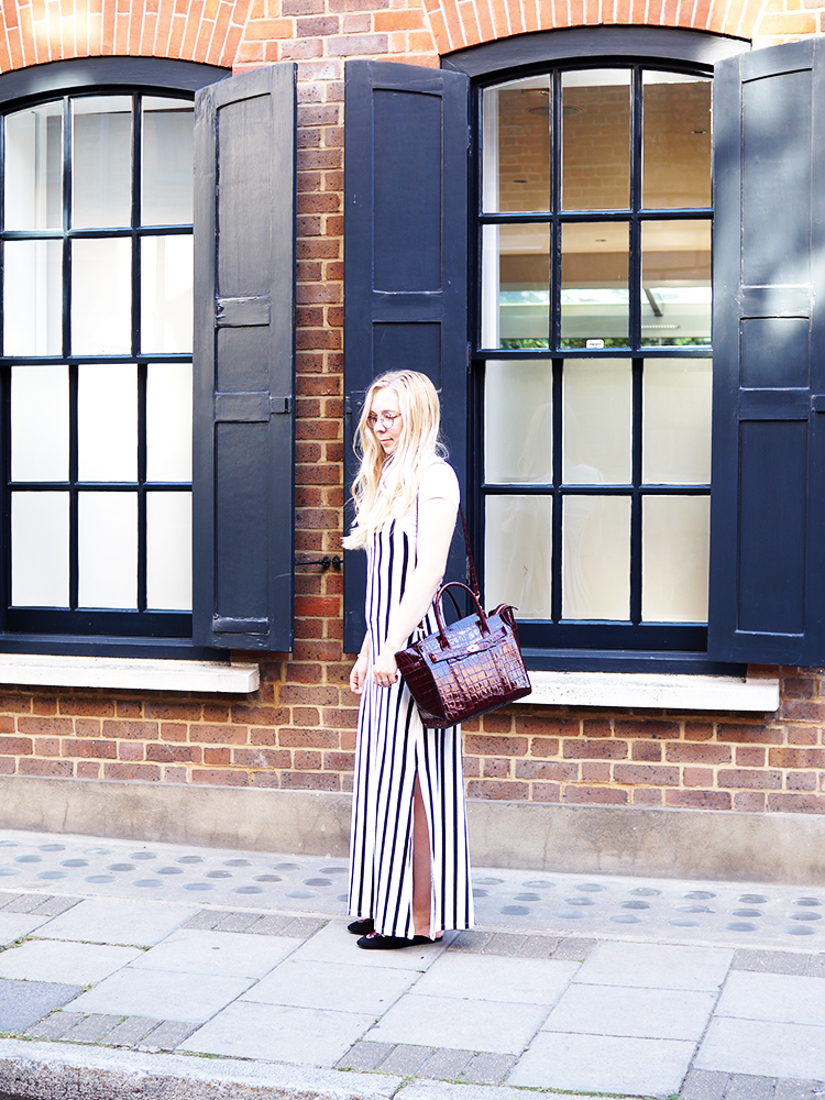 Exploring London in my stripy dress